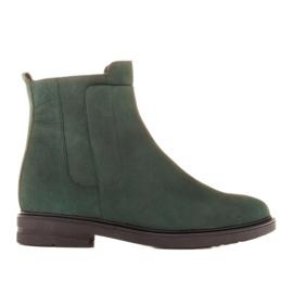 Marco Shoes Leichte Stiefel mit flachem Boden aus Naturleder isoliert grün