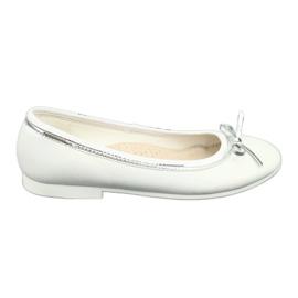 Ballerinas mit Schleife, weiße Perle American Club GC29 / 19