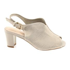 Sandalen auf der Post Sergio Leone 800