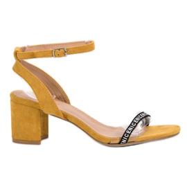 Ideal Shoes gelb Stilvolle Wildledersandalen
