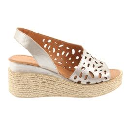 Sandalen mit Keilabsatz Badura 4722 Cappuccino braun