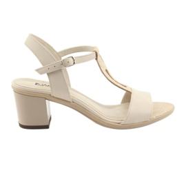 Braun Sandalen Damen beige Anabelle 1447 beige / silber