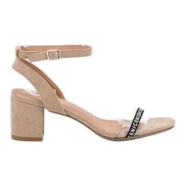 Ideal Shoes braun Stilvolle Wildledersandalen