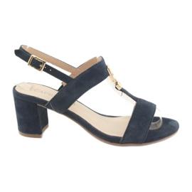 Sandalen auf dem Pfosten Caprice 28303 Marineblau