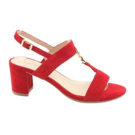 Rot Sandalen auf dem Post Red Caprice 28303