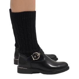 Ideal Shoes Schwarze warme Stiefel E-4939