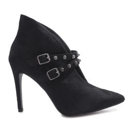 Schwarze Stiefel mit Karine-Absatz