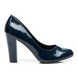 Sweet Shoes blau Lackierte Pumps auf einer Bar