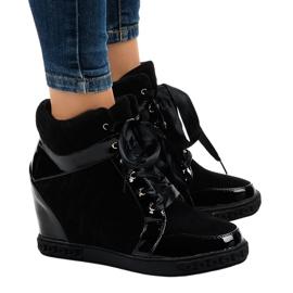 Modische schwarze Wedge Sneakers KLS-109-3