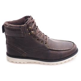 Isolierte hohe Stiefel. Schuhe SH26 Braun
