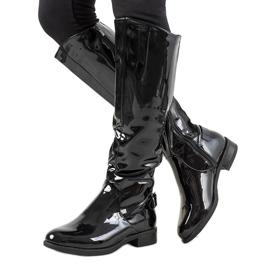 Schwarz lackierte Stiefel W-90