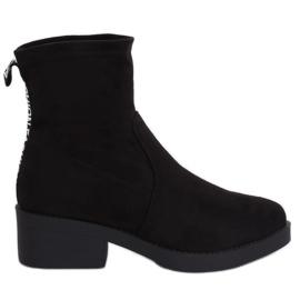 Schwarzer Stiefel mit niedrigem Absatz schwarz W868 Schwarz