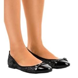 Schwarze durchbrochene Ballerinas 3026