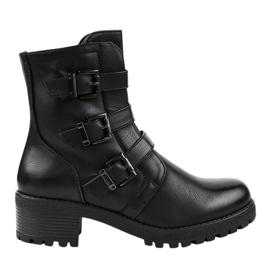 Schwarze, isolierte Stiefel, verziert 2012