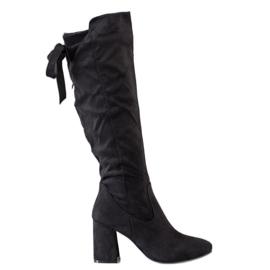 Flyfor Stilvolle Stiefel auf der Post schwarz