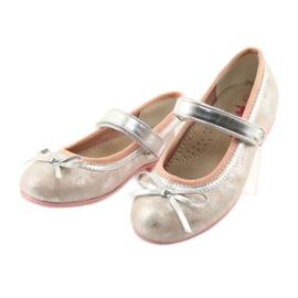 Ballerinas mit American Club GC18-Schleife 3
