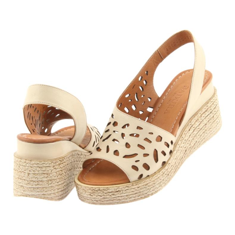 Braun Sandalen mit Keilabsatz Badura 4812 beige Bild 4
