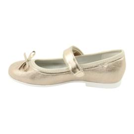 Goldene Ballerinas mit American Club Bogen GC03 / 20 2