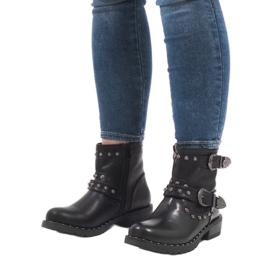 Schwarze Stiefel mit Verschlüssen und Pailletten A8018 5
