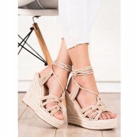 Seastar Gebundene Sandalen auf einem hohen Keil beige 1