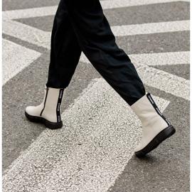 Marco Shoes Sportliche weiße Stiefelette aus weichem Naturleder 9